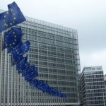 Comisia Europeană condamnă violențele comise împotriva sediului său principal din Bruxelles