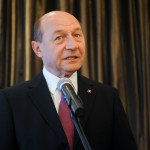 Băsescu, o nouă scrisoare adresată lui Ponta, pentru a renunța la taxa pe carburanți