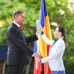 """Klaus Iohannis a înmânat drapelul Echipei Olimpice a României pentru Jocurile de la Rio: """"Îndrăzniți să scrieți istorie! Sportul face parte din identitatea națiunii noastre"""""""